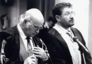 8 Con Franco Tandura in udienza in corte d'assise a Belluno (1995) compressa